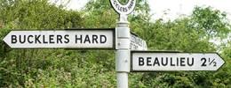 desktop-didyouknow-signpost-Beaulieu-Bucklers-Hard(w390px_h150px)
