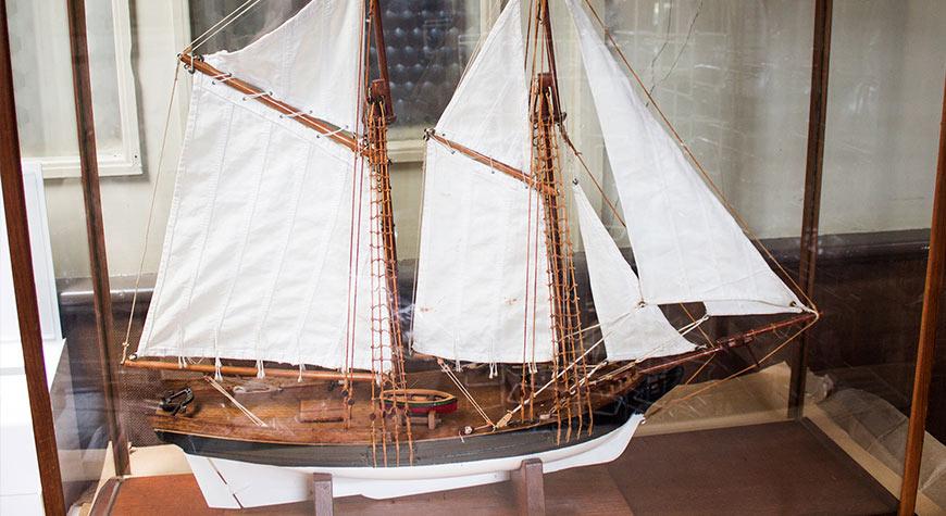 Model of HMS Pickle at Buckler's Hard