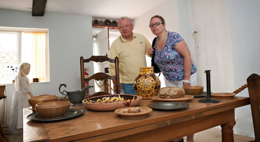 Tour in the Shipwright's Cottage