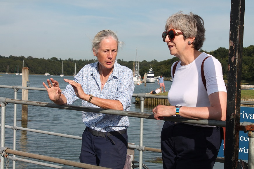 Desktop-news-Mary Montagu-Scott with Theresa May overlook the Beaulieu River_(870x580)