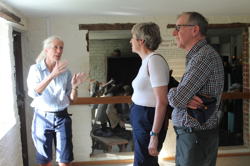 Desktop-news-Mary Montagu-Scott with Theresa and Philip May-(870x580)