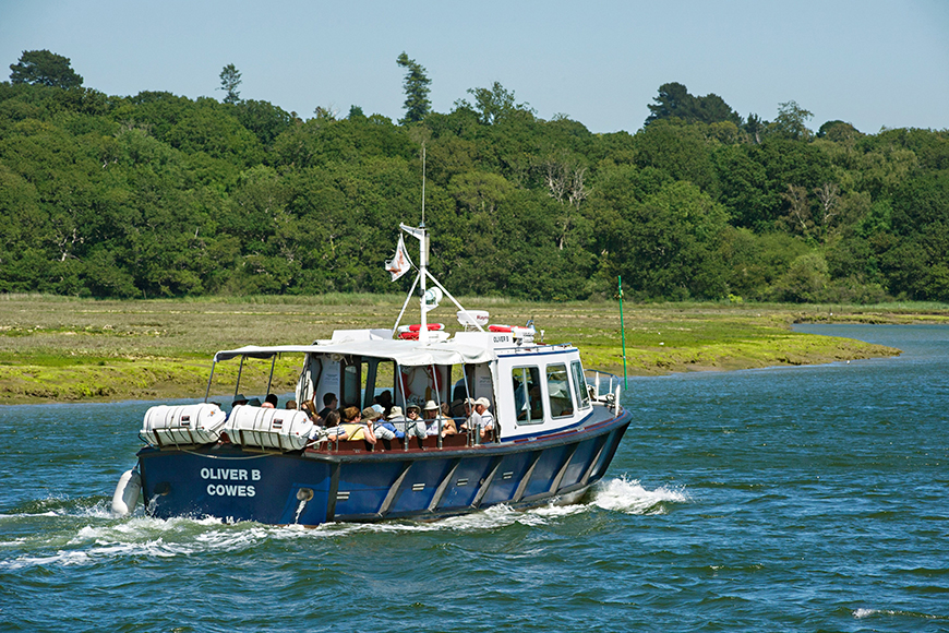 River-Cruise-at-Buckler's-Hard-(870x580)